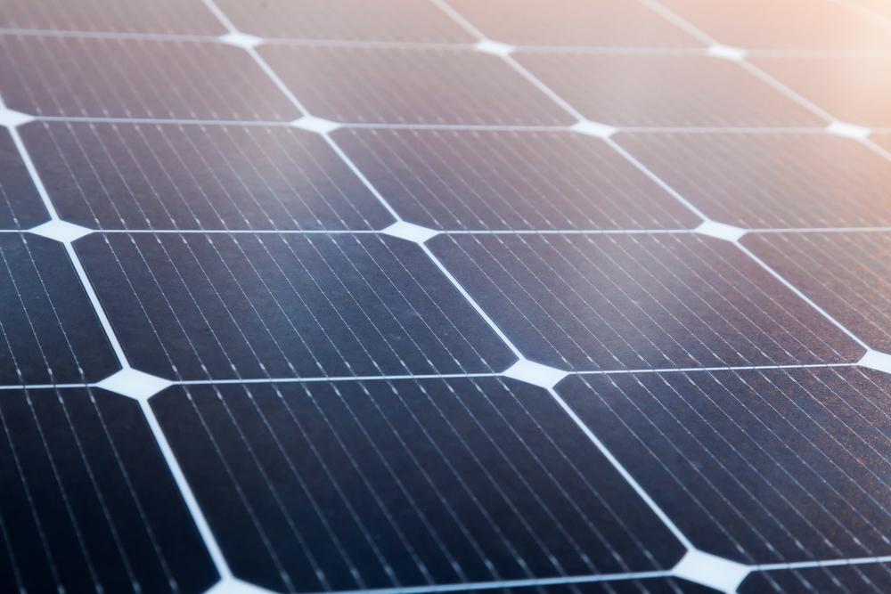 "<span class=""title"">太陽光発電の太陽光パネルの構造と発電の仕組み</span>"